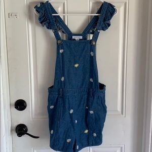 Jean short overalls with daisy flowers